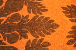 ハワイアンキルト、ベッドカバー、むら染め、ブレッドフルーツ、オレンジ、ブラウン、接写